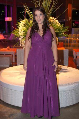 שמלות ערב במחשוף קולר .