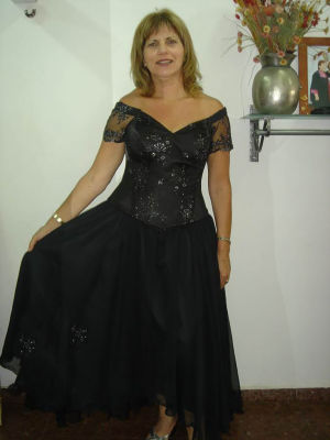 שמלת ערב בגזרת מחוך וחצאית
