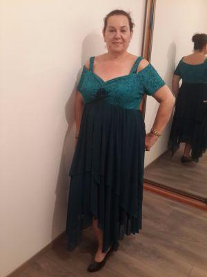 שמלות ערב לנשים מלאות