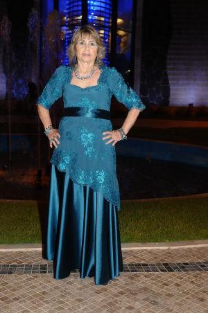 שמלות ערב בגזרה אמפייר עם חגורה