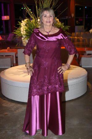 שמלות ערב  מטפט ושילוב תחרה רקומה צוו מעניין ארון