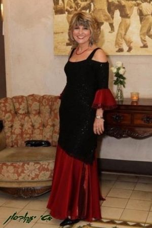שמלות ערב  בשילוב תחרה ושיפון .