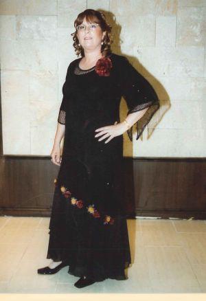 בגדי ערב לדתיות שמלה מרשת על בטנה מלייקרה עם פרחים לקישוט