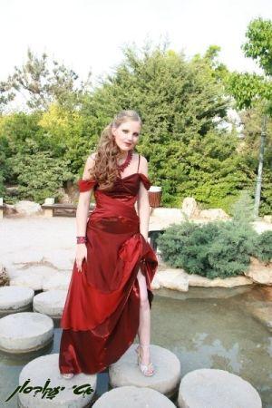שמלות ערב  כתף חשופה